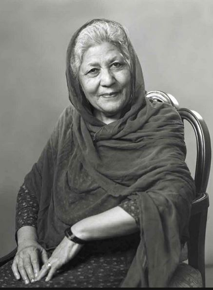 Bano appa bano qusdia another famous ravian passes for Bano qudsia children