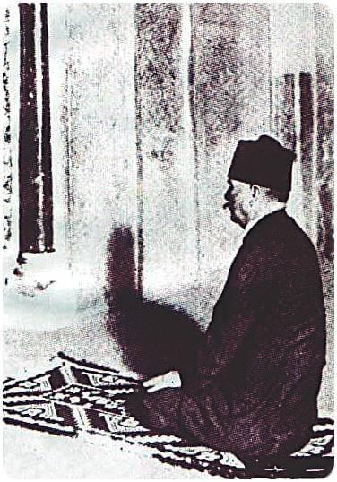 allama iqbal at cordova - masjid e qartaba